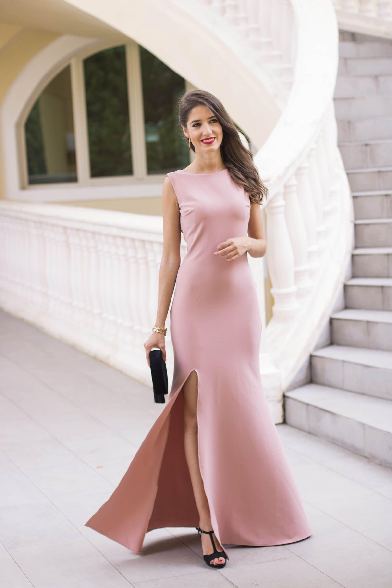 Invitada boda noche invierno estola vestido rosa largo | moda ...