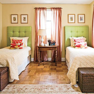 Gracious Guest Bedrooms Yellow Quilts Twin Beds And Twins