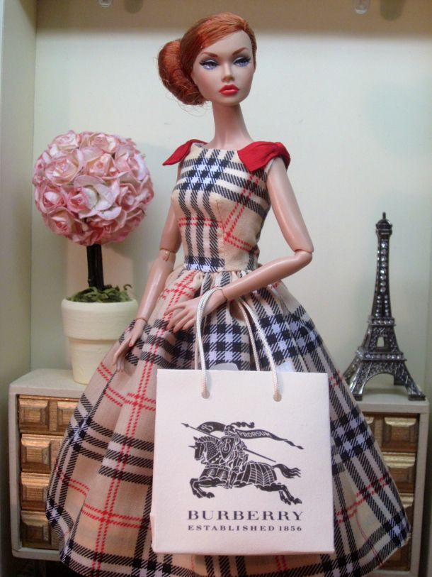 Burberry Day Dress 10/16