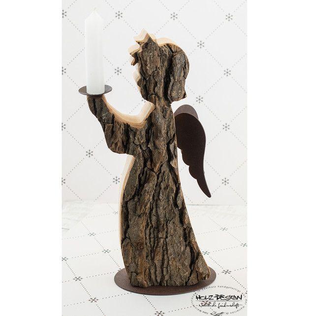 Deko Engel Rostflügel Kerzenständer Weihnachten - Weihnachtsfiguren - Weihnachten - Mit Liebe handgemacht in Rottenburg a.d. Laaber, Deutschland von Holz - Design Germany | ~~~~~~~~~BESCHREIBUNG~~~~~~~~~Wundervoller Deko-Engel aus Nadelholz mit Rinde, Rostflügeln ... | #Ästeweihnachtlichdekorieren Deko Engel Rostflügel Kerzenständer Weihnachten - Weihnachtsfiguren - Weihnachten - Mit Liebe handgemacht in Rottenburg a.d. Laaber, Deutschland von Holz - Design Germany | ~~~~~~~~~BESCHREIBUNG~ #Ästeweihnachtlichdekorieren