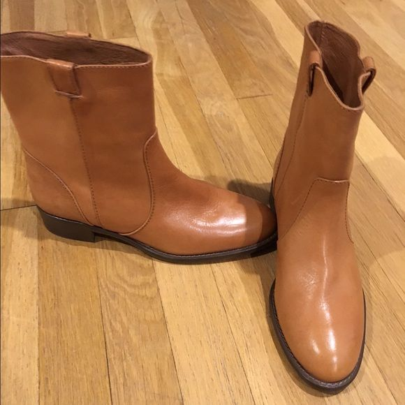 Leather J. Crew ankle boots Never worn! Perfect transitional boots that can be worn year round. No imperfections in the leather. J. Crew Shoes Ankle Boots & Booties