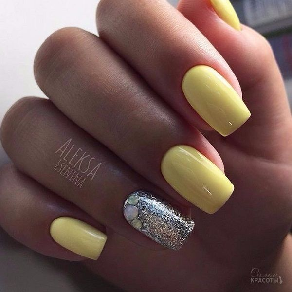 Pastel Yellow With Silver Touch Nail Art Design Shinny And Yellow The Perfect Summer Thing Unhas Unhas Amarelas Unhas Pintadas