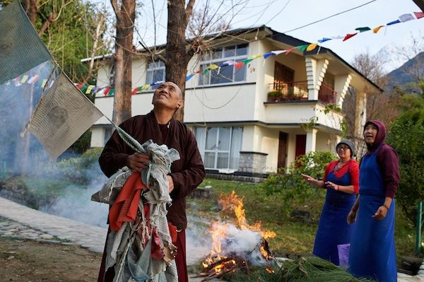 Tibetan Losar Prayers And Ceremonies In Dharamsala Avec Images Tibetains