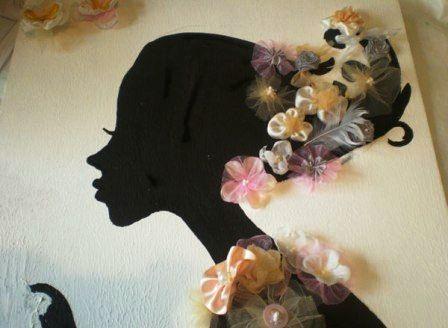 Картина девушка с цветком в руке
