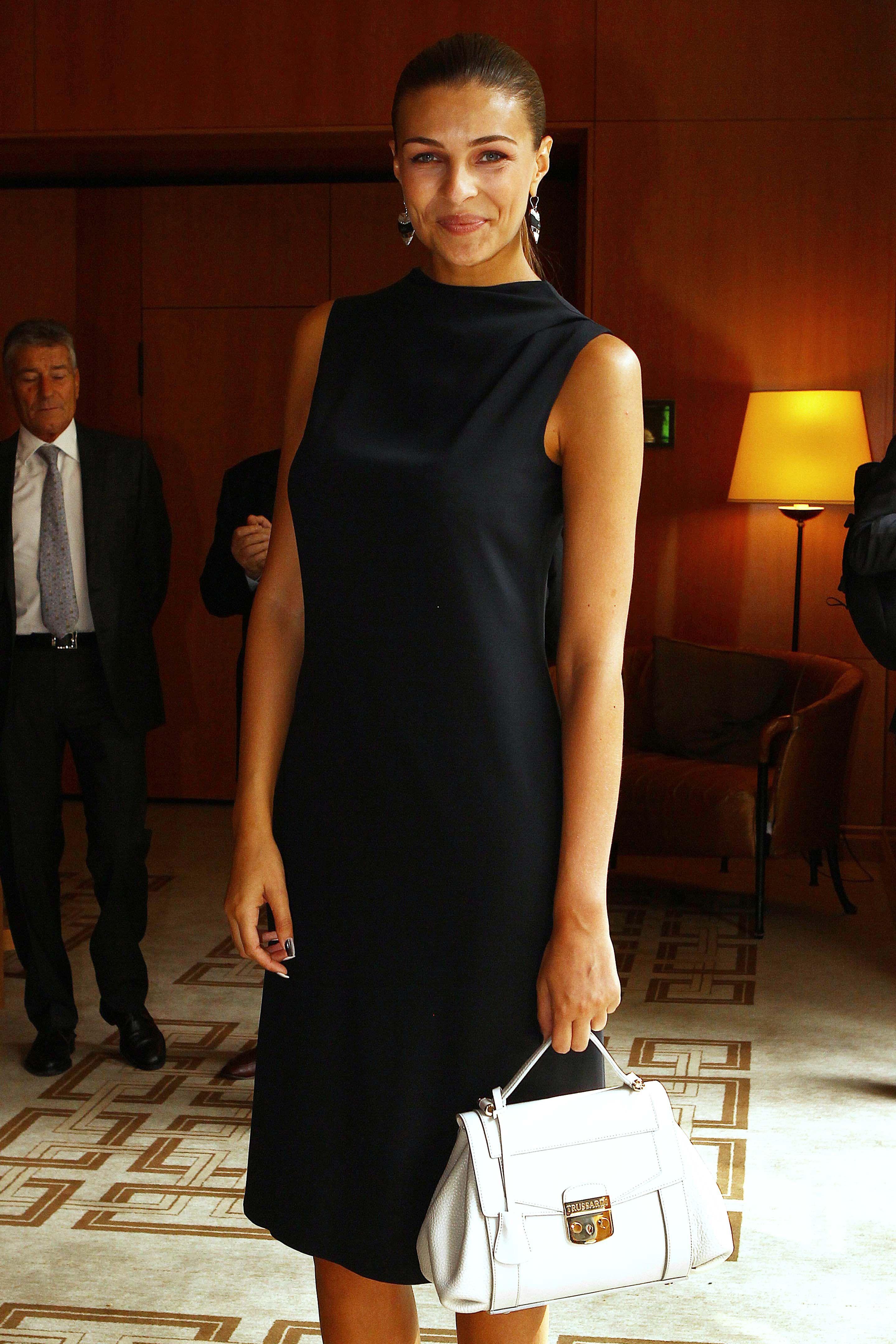 Cristina chiabotto celebrities in trussardi pinterest moda boutique and celebrity Celebrity style fashion boutique
