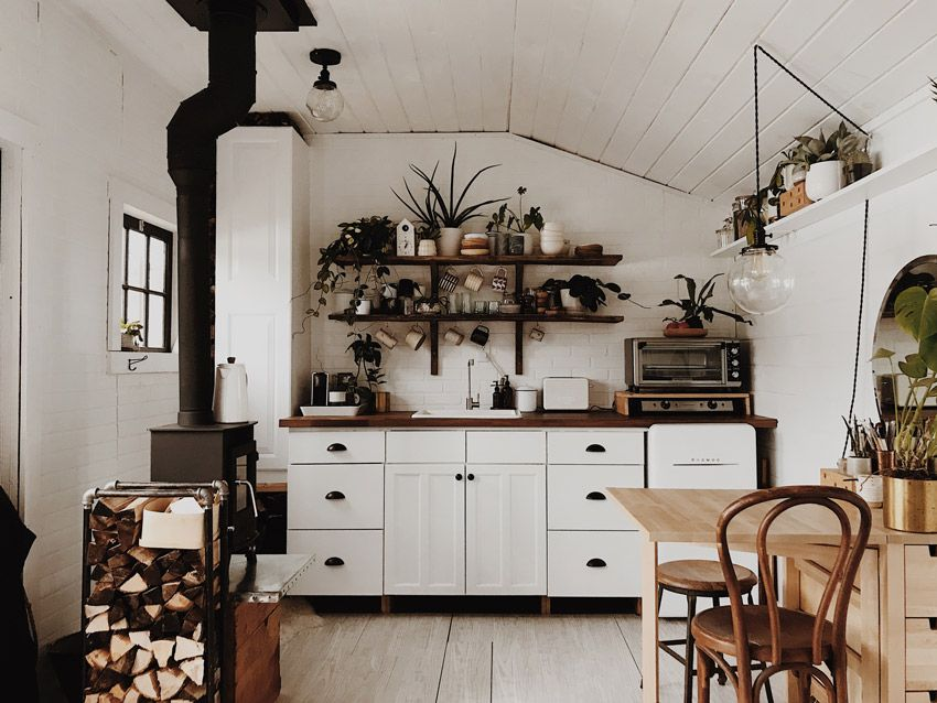 a tiny cabin in the woods for creative homesteaders in vermont wohnen pinterest haus. Black Bedroom Furniture Sets. Home Design Ideas