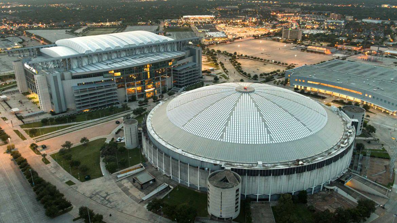 Derelict Houston Astrodome sits next to new NRG statium
