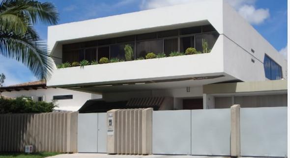 30 modelos de frente de casas com muros http www for Ver modelos de frentes de casas