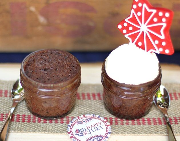1-Minute Microwave Chocolate Lava Cakes In A Jar