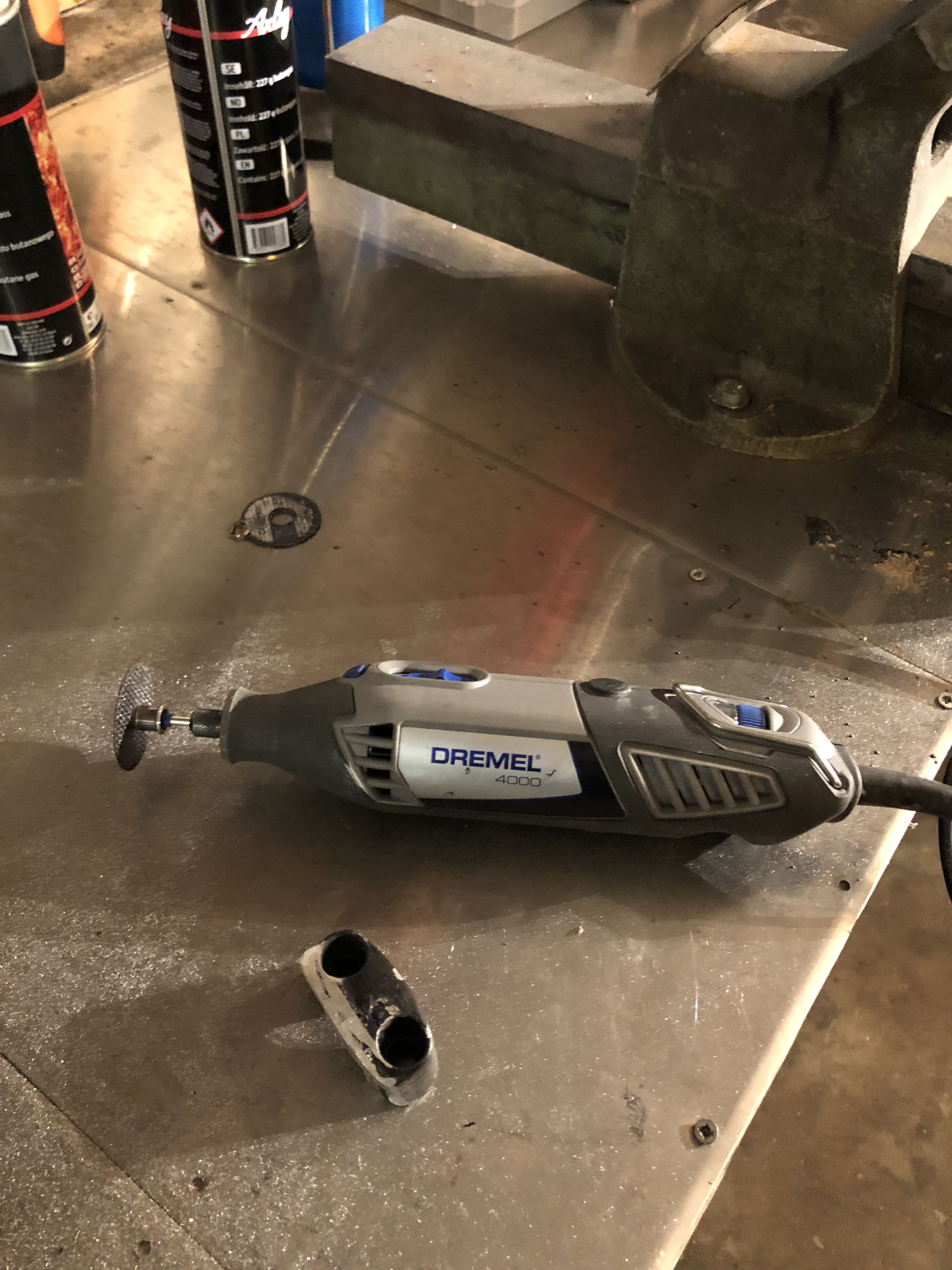 Dremel 4000 amazing tool to clean motorcycle parts with