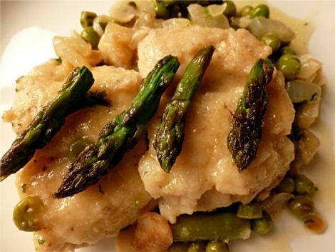 Merluza en salsa verde con espárragos trigueros.... www.cocinandoconencarni.es
