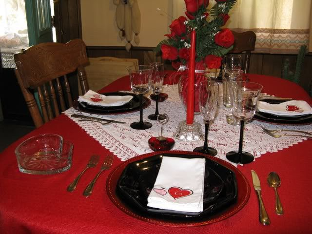 Canu0027t Tell You How Much I Love This Valentine Tablecloths, That Can Double