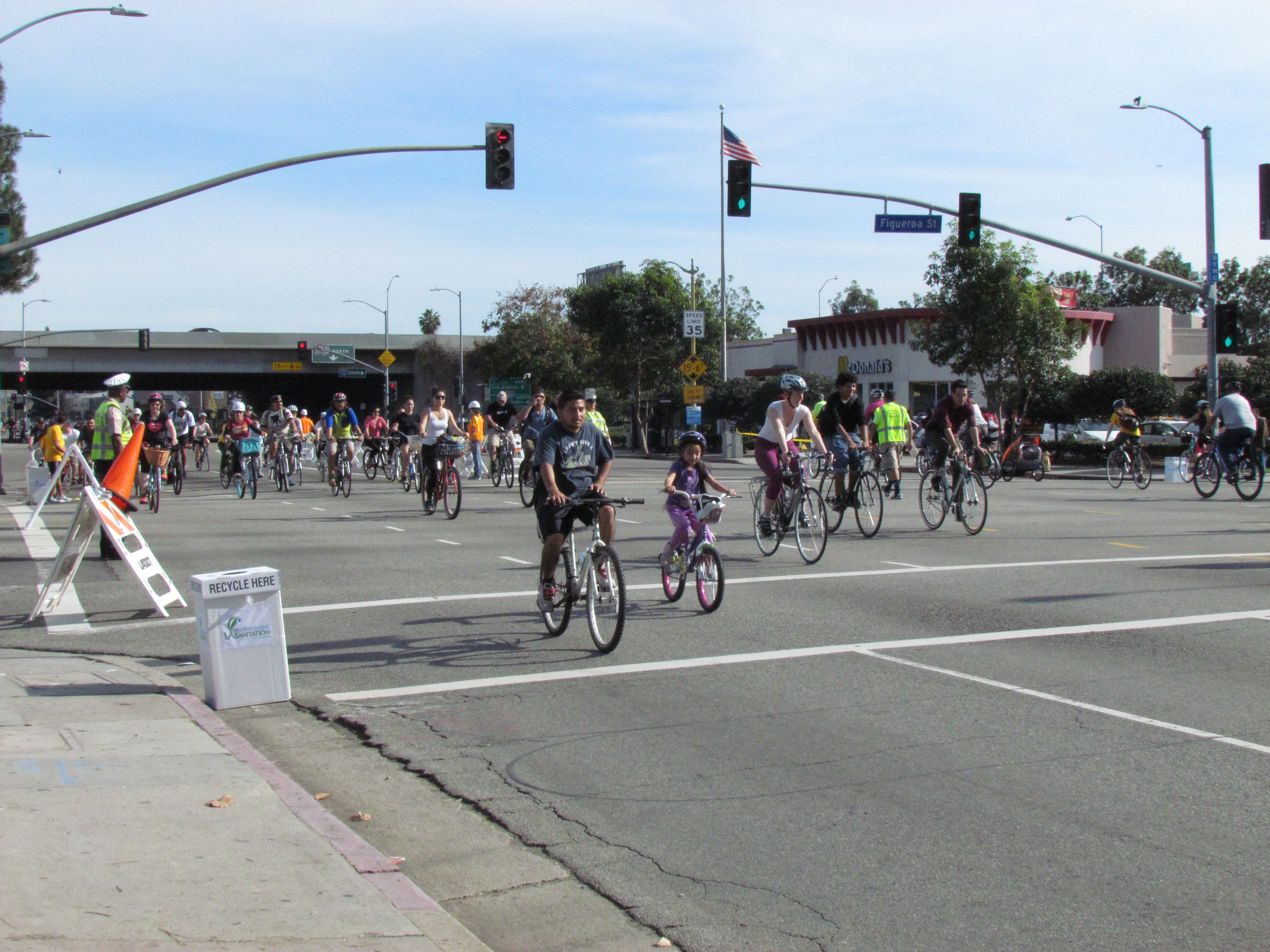Ciclavia South LA: Figueroa street was open for cars, however Martin Luther King Jr was closed for cyclist and traffic was mitigated to allow them to pass.