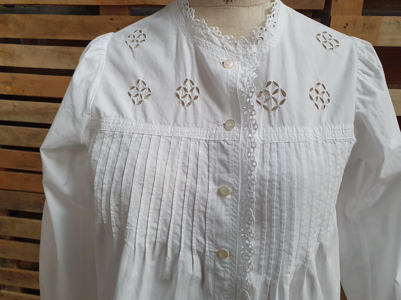 Chemise femme corsage blanc Top Ruffle Trim Bretelles Réglables Logo à la base BNWT
