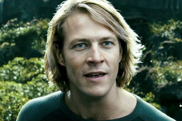 Luke Bracey Performs Extreme Sports in 'Point Break' First Official Trailer