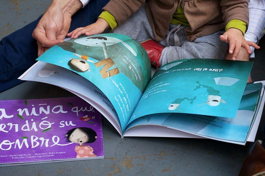 Libro perdonalizado con el nombre del niño. 24 euros, gastos de envío gratis
