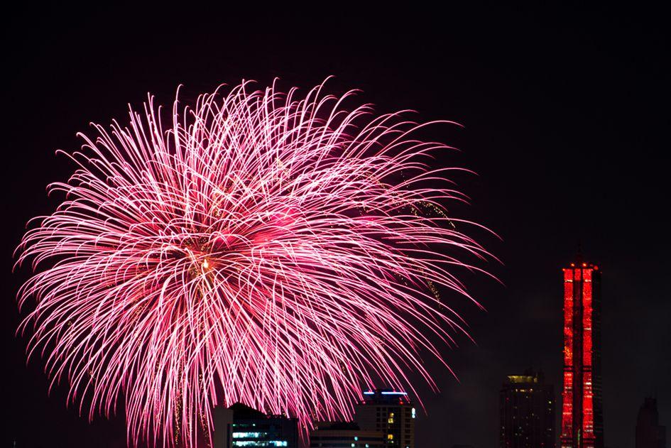 서울에서는 매년 10월이 되면 한강공원에서 세계 각국이 참가하는 불꽃놀이 축제가 열립니다. 어김없이 올해도 10월 4일 (토)요일 4개국이 참가하는 멋진 불꽃놀이 페스티벌이 약 1시간가량 열렸습니다....
