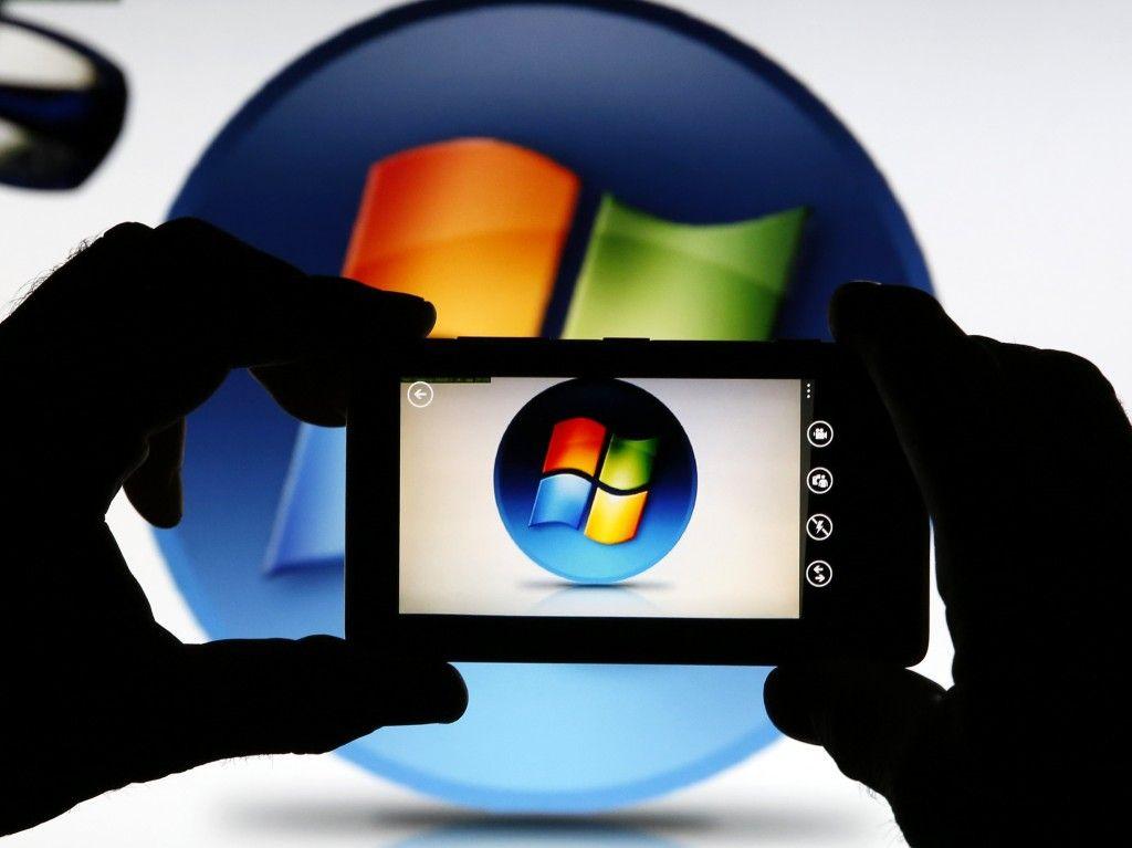 Microsoft acquires Nokia mobile phones