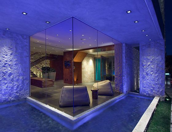 Crystal Walls Bill Gates S House Inside Celebrity Homes Ultimate Party House