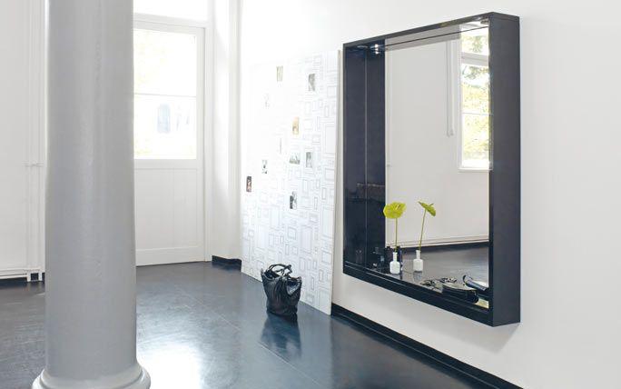 grosser spiegel mit integriertem licht our house ideas. Black Bedroom Furniture Sets. Home Design Ideas