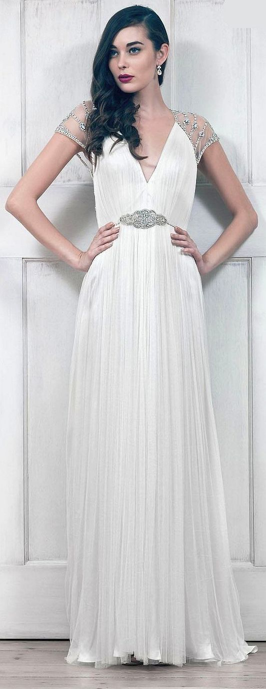 Photo of Catherine Deane Wedding Dress (Pre-owned Cream Vintage Tallu…