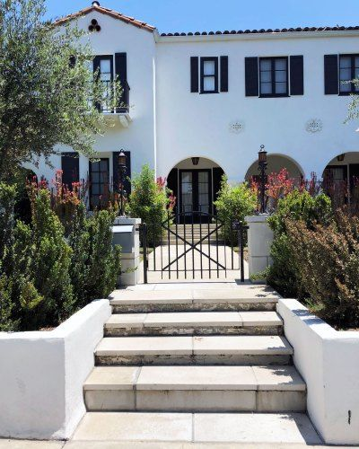 Design House: Exterior Paint Picking With Benjamin Moore