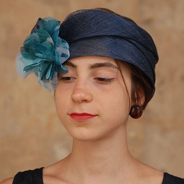 Fascis in sisal e fiorecin seta!  #moda #street #artigianato #artigian #cappello #hat #matrimonio #instaitalia #instaitaly_photo #instaitaliangirl #madeinitaly #arte #style #hatsummer #street #fashionista  #fascinator #fashion #womenfashion