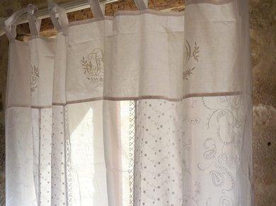 Rideaux longs en broderie anglaise blancs voilages for Rideaux cottage anglais
