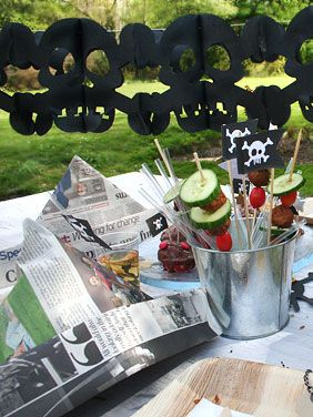 Pirate Party: How to make a  newspaper hat