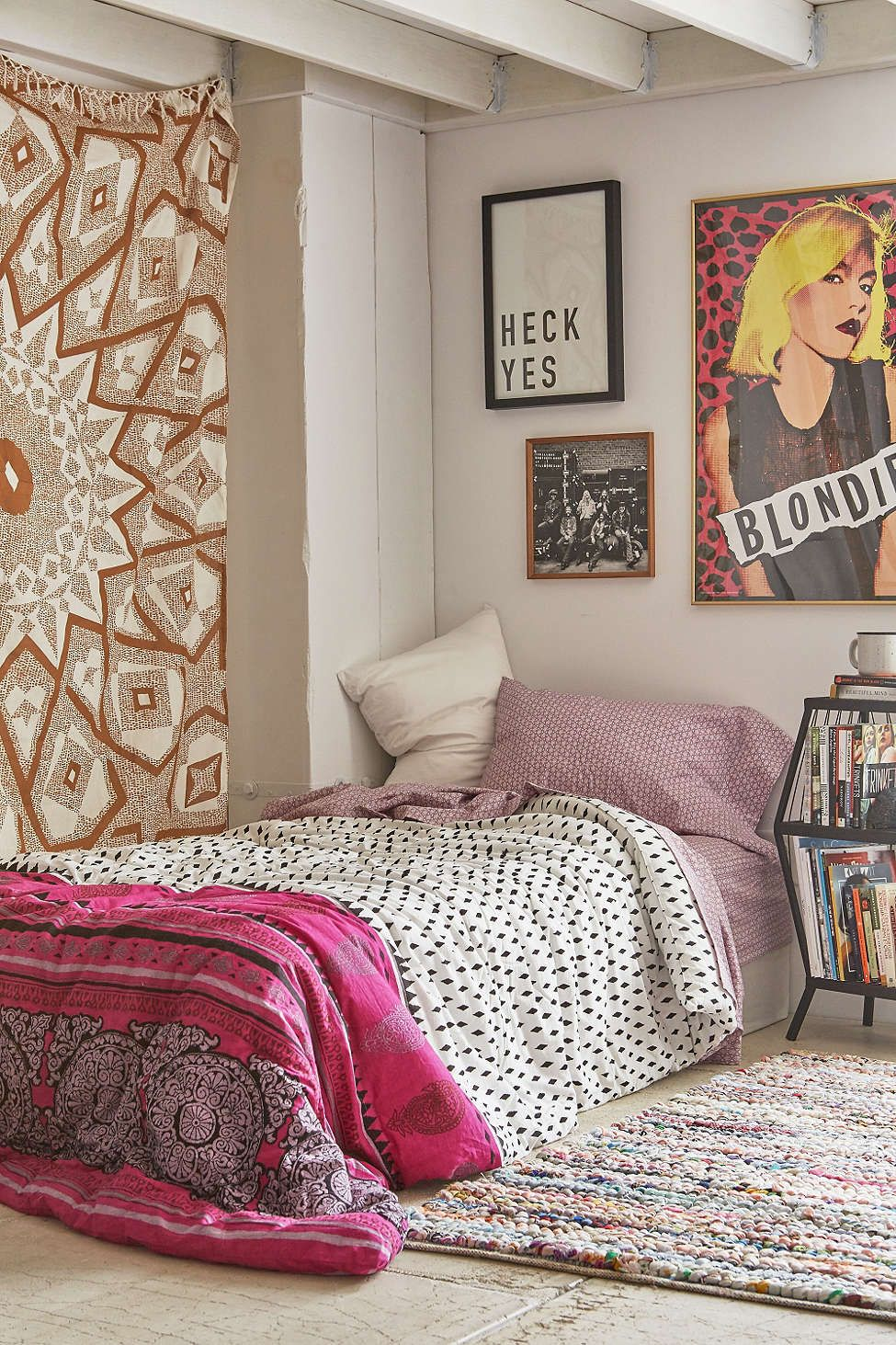 magical thinking samira geo wood bed in a bag snooze set urban outfitters aa rooms. Black Bedroom Furniture Sets. Home Design Ideas