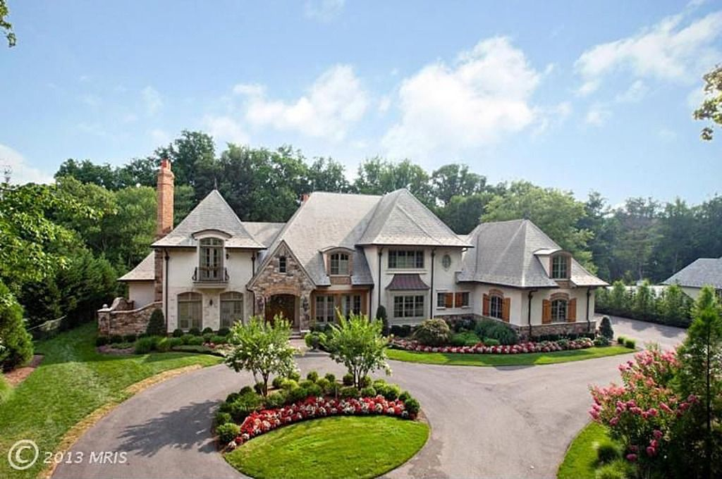 Love This Fairy Tale Home In Bethesda Md Country Mansion Luxury Garden Mansions