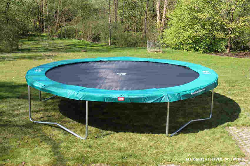 How To Put Together A Trampoline 9 Steps Trampoline Assembly Instructions Trampoline Outdoor Trampoline Best Trampoline