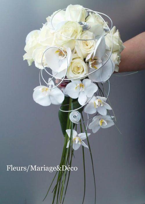 bouquet de mariée retombant tout blanc - le blog de fleurs-mariage
