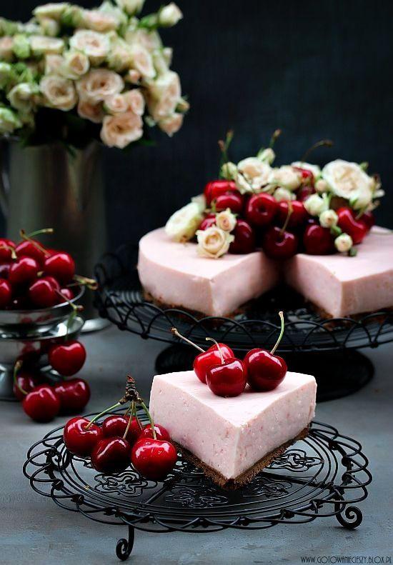 sweet cherry cheesecake