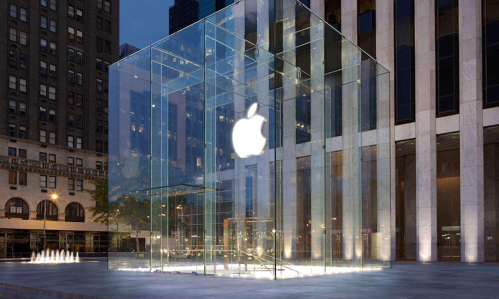 AppleStoreNewYork5thAvenue1600x960.jpg 1,600×960