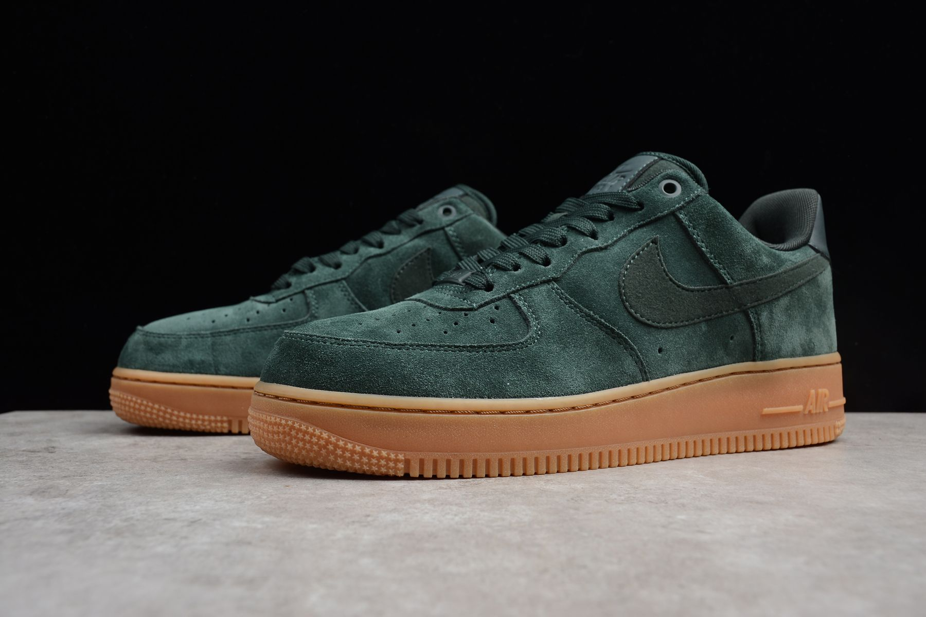 Discount Mens and Women's Nike Air Force 1 '07 LV8 Suede