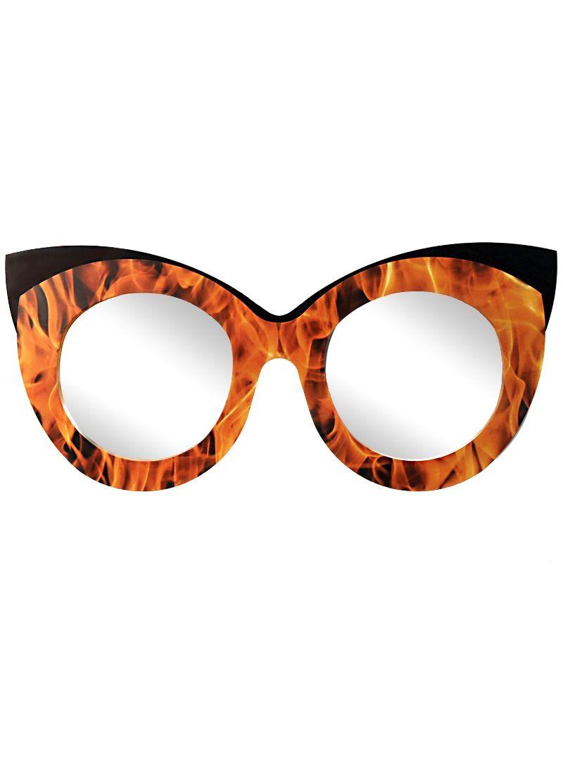 Ein außergewöhnlicher Doppel-Spiegel mit Feuer, überrascht durch die ...