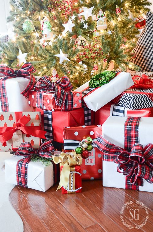 10 VERY BEST CHRISTMAS GIFT WRAPPING TIPS | HOLIDAYS | Christmas ...