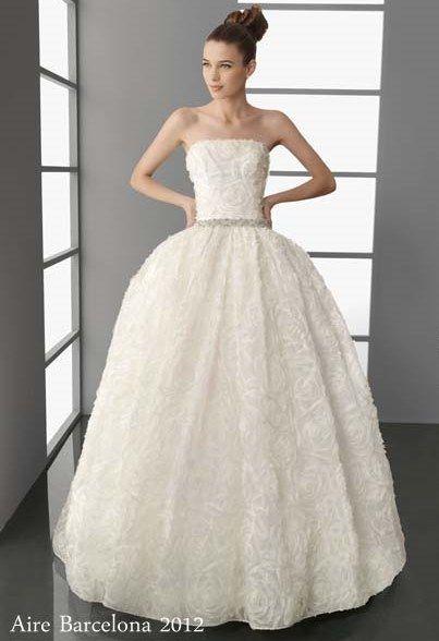 colección aire barcelona 2012. modelo polis, vestido de novia estilo