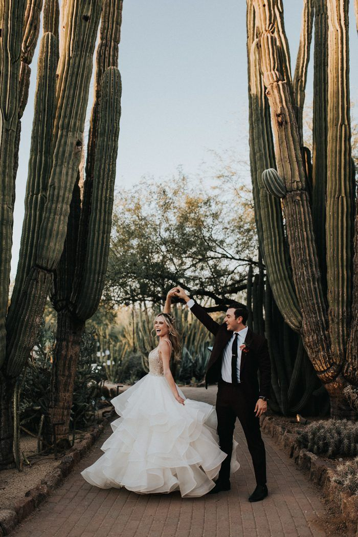 This Black, Burgundy, and Gold Desert Botanical Garden Wedding is a Total Showstopper #botanicgarden