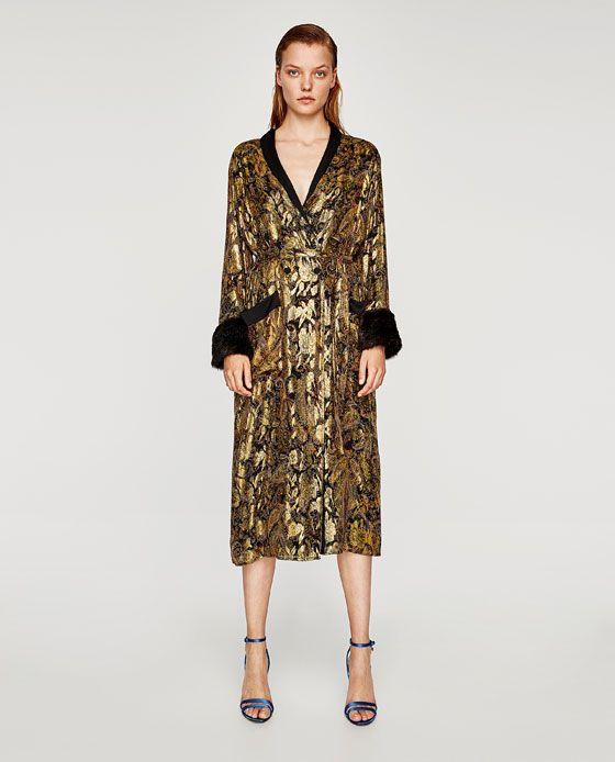 376555bc17d0 Image 1 de KIMONO EN SOIE JACQUARD BRILLANT de Zara 129€ Broderie, Femme,
