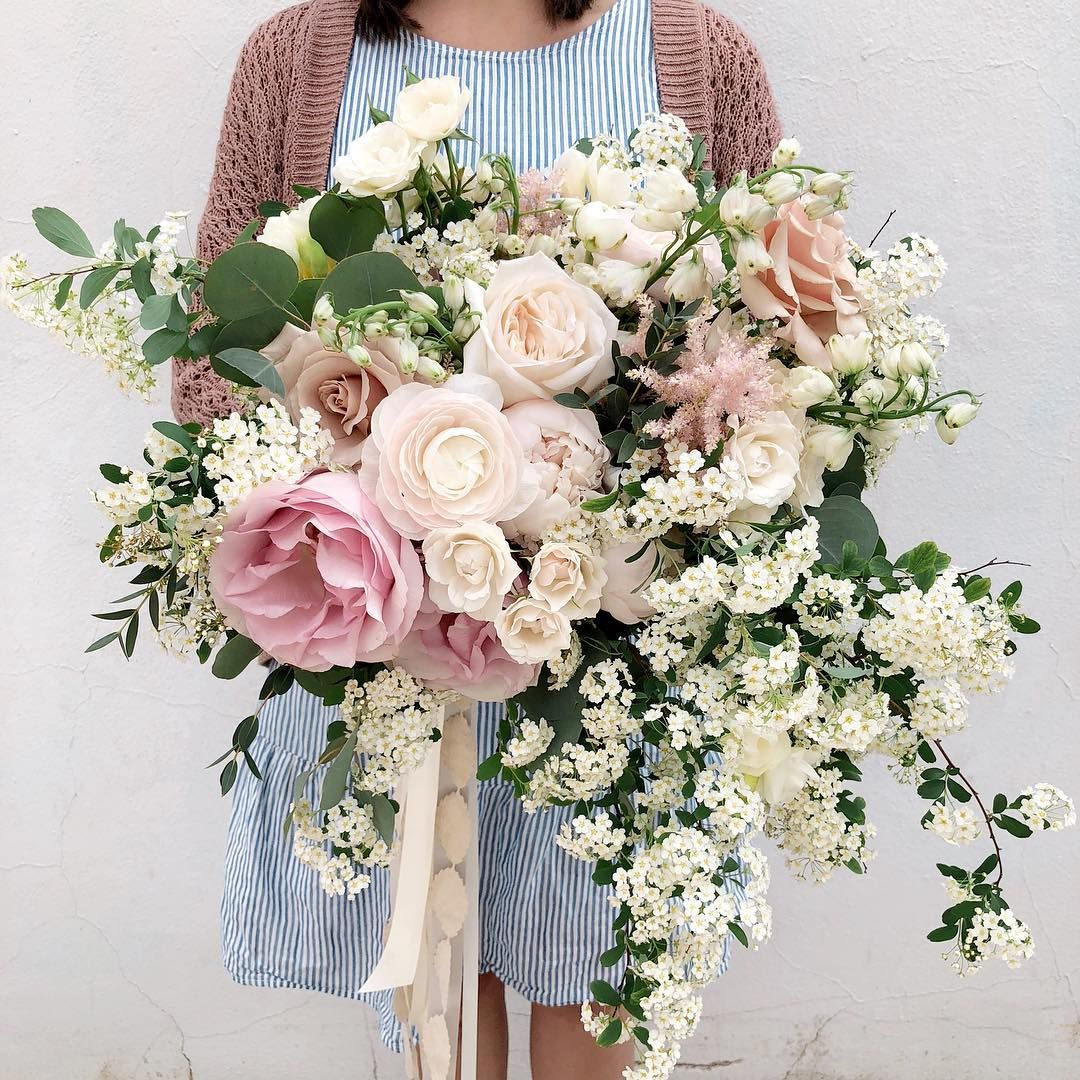 96 6k Followers 799 Following 1 764 Posts See Instagram Photos And Videos From Hea Flower Bouquet Wedding Wholesale Flowers Wedding Wedding Bouquets Online