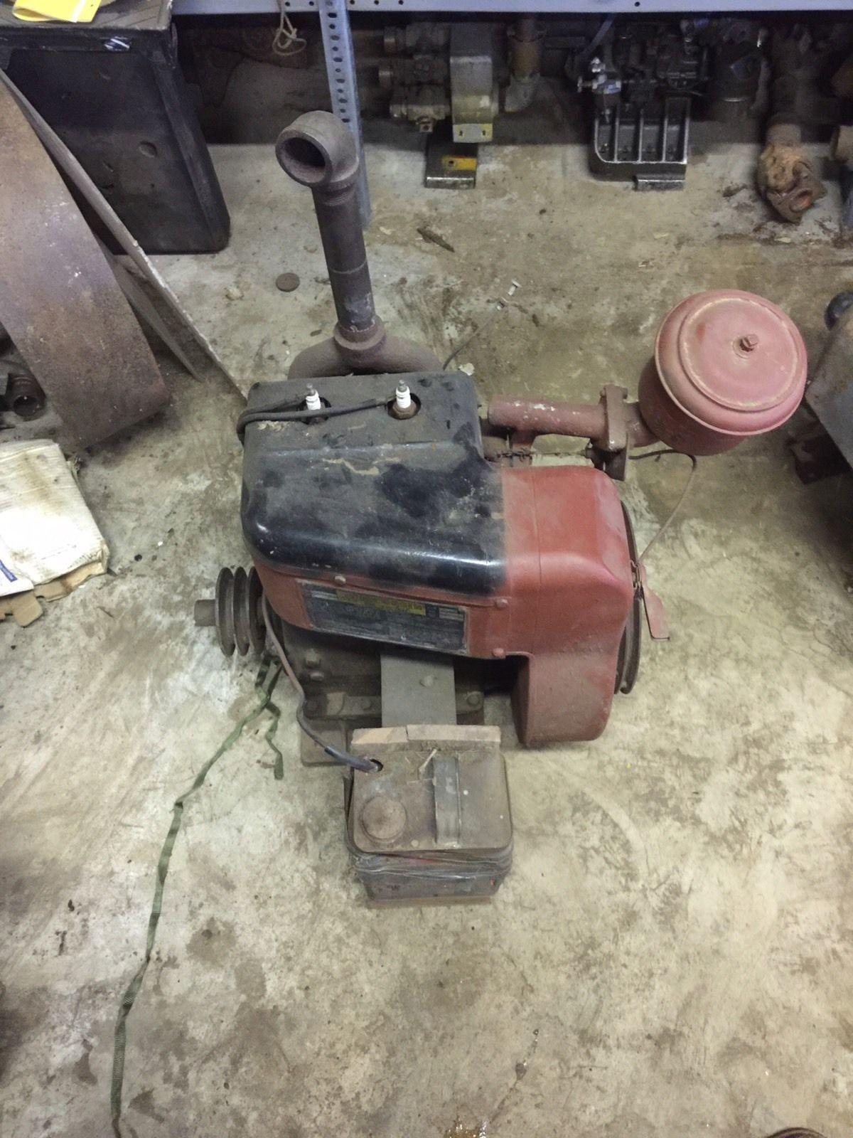 Details about Vintage Clinton 2 Stroke Engine, Model 500   Garage