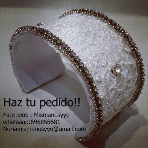 pulsera hecha con tela de vestido de la novia un detalle que jamás