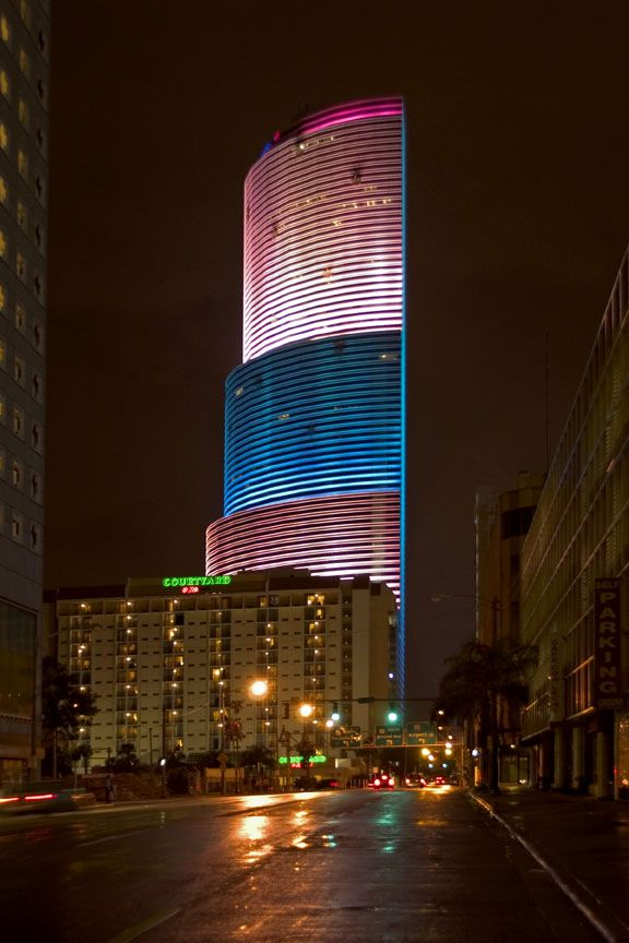 Pin By Larry Lee On Metropolis With Images Downtown Miami South Beach Miami Downtown Hotels