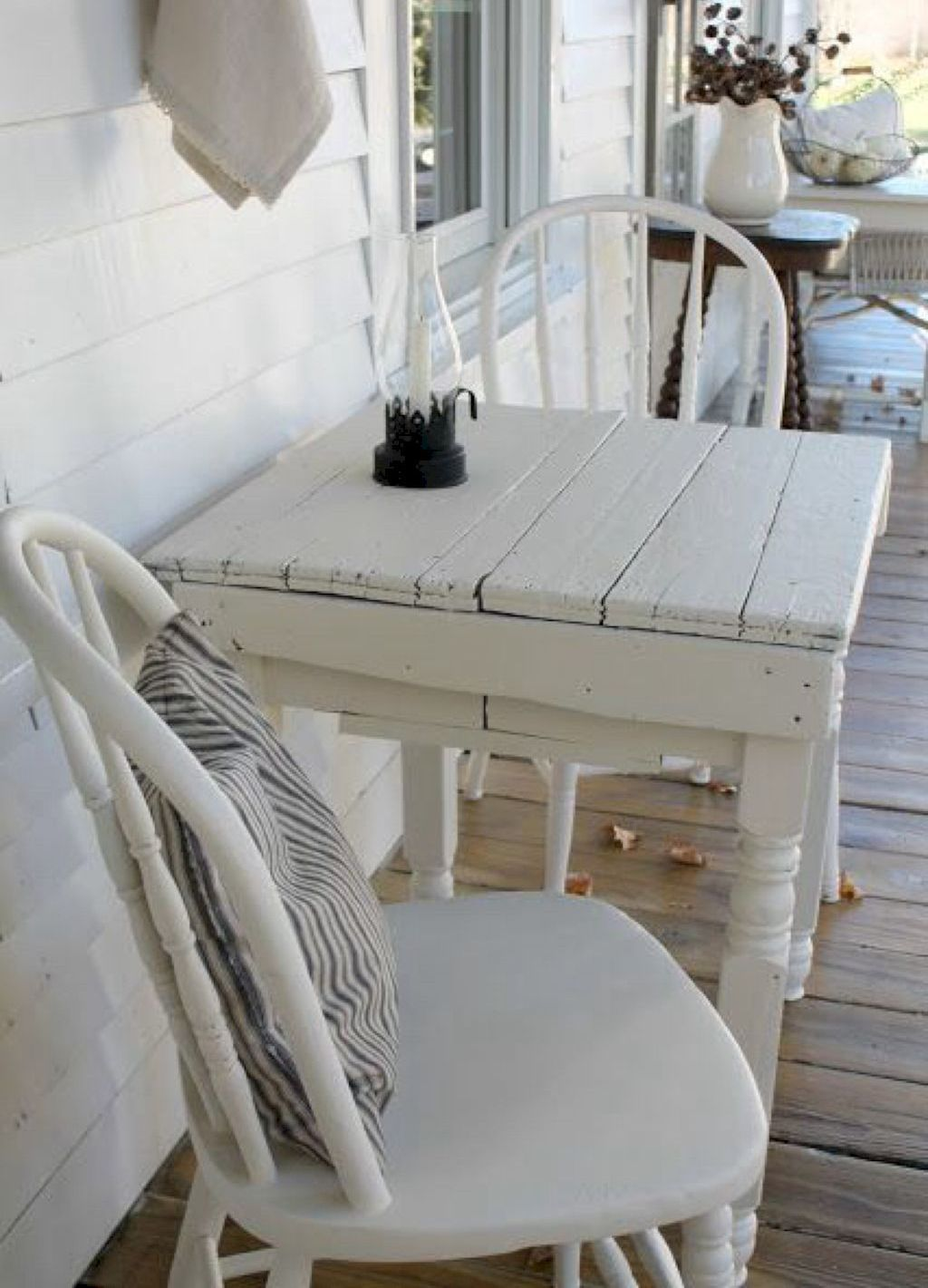 Nice 25 Rustic Farmhouse Porch Decor Ideas Farmhouse Porchdecor Porch Furniture Modern Farmhouse Porch Porch Table