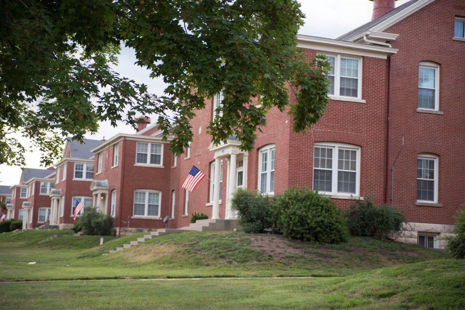 Fort Leavenworth Infantry Barracks Where We Lived Fort Leavenworth Leavenworth House Styles