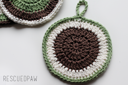 Crochet Round PotHolder Free Pattern #crochetpotholderpatterns