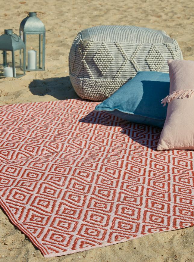 impermeable ce tapis de jardin rural