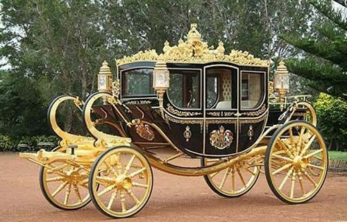Classic Gold Luxury Wedding Carriage